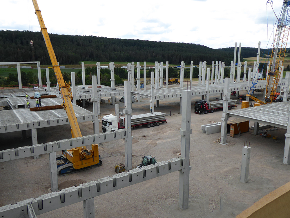 Procurement- and project management for a new logistics center in Geiselwind